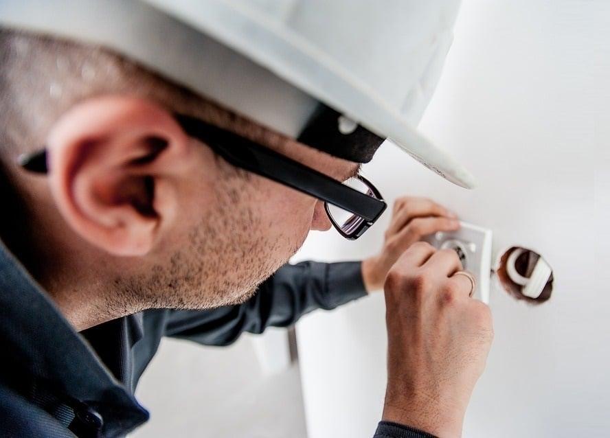 Artisan électricien à Arles